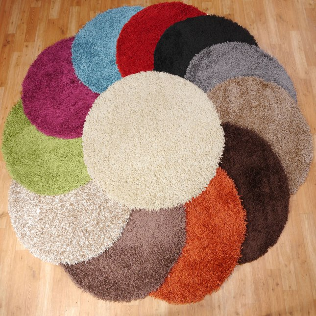 The Retro Look Of A Circular Rug Under A Round Coffee
